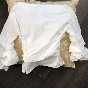 Pleated sleeve white shirt
